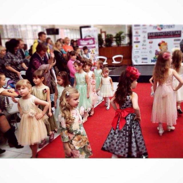 святкові сукні для дівчат